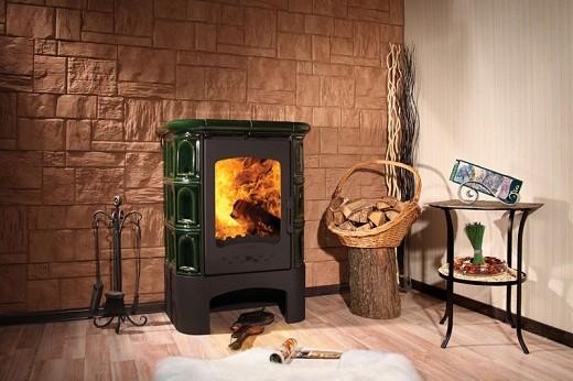 Дизайн современных дровяных печей позволяет обойтись без сооружения декоративного портала. Пример на фото.