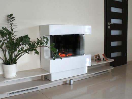 Электрический обогреватель, стилизованный под камин на снимке