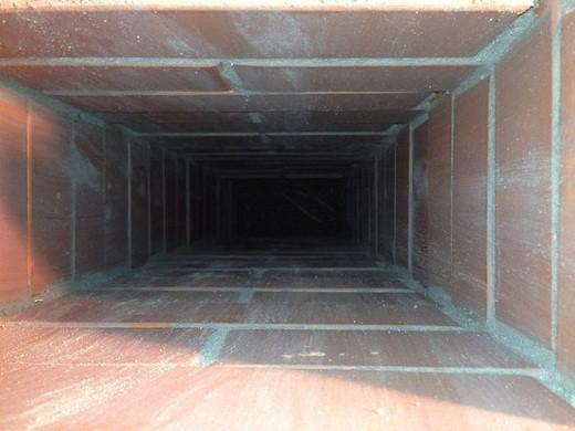 На фото представлен пример того, как должен выглядеть кирпичный дымоход изнутри